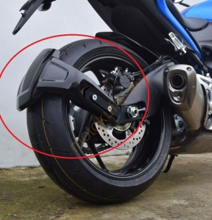 Suzuki GSX-S 1000 2015 blatníček Spray Guard 085000A Carbon